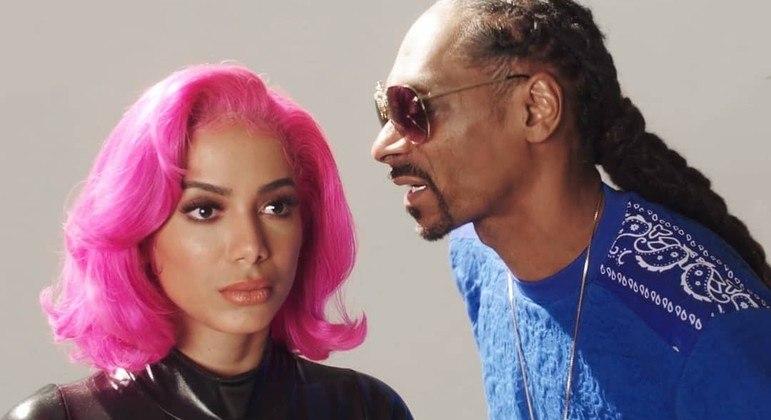 Anitta e Snoop Dog no clipe da música  'Onda Diferente'