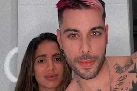 Anitta e Gui Araújo negam fim de namoro nas redes sociais