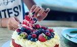 E um belo bolo red velvetVeja mais:Luxo para poucos! CR7 compra iate de três andares por mais de R$ 50 mi
