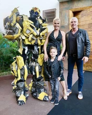 Ana Hickmann armou uma grande festa para comemorar o aniversário de 5 anos do filho, Alexandre Corrêa Júnior