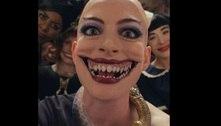 Anne Hathaway exibe sorriso assustador em 'Convenção das Bruxas'