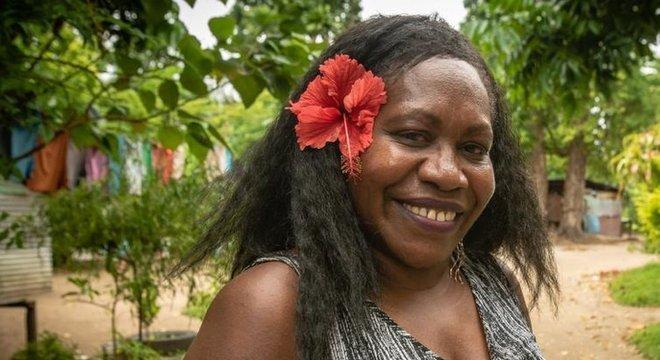 Anne Pakoa diz que os vilarejos rurais do país não viram a cor do dinheiro
