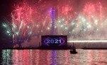 No Egito, a celebração foi com uma queima de fogos em uma ponte suspensa sobre o rio Nilo na capital, Cairo