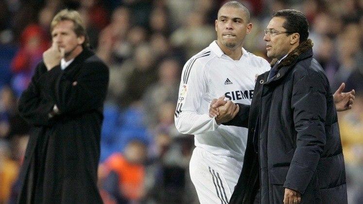 Anos depois, o treinador revelou, em entrevista ao portal 'The Coaches', os bastidores após a derrota para o Getafe e a conversa com Florentino Pérez: - Beckham foi expulso e estávamos ganhando de 1 a 0. Faltando três minutos para terminar o jogo, substituí Ronaldo para fortalecer a defesa. O público não gostou da substituição, nem Florentino, já que Ronaldo era ídolo da equipe. Pérez me chamou e perguntou: 'Mister, por que você tirou Ronaldo do jogo?'. Respondi que ele tinha jogado o suficiente e que estávamos com um atleta a menos e que era uma decisão técnica. Então ele me respondeu: 'Aqui não se pode fazer isso, tem que dar espetáculo. A torcida gosta de espetáculo.
