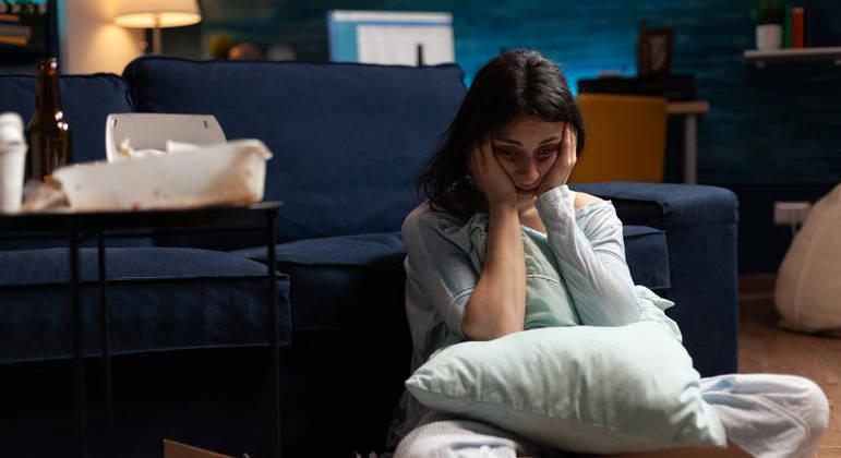 Ansiedade social costuma ser mais frequente em pessoas que já foram ridicularizadas, diz especialista