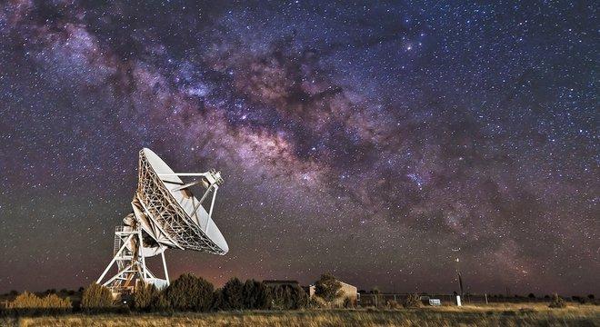 No mundo há várias organizações que enviam sinais ao espaço em busca de uma resposta