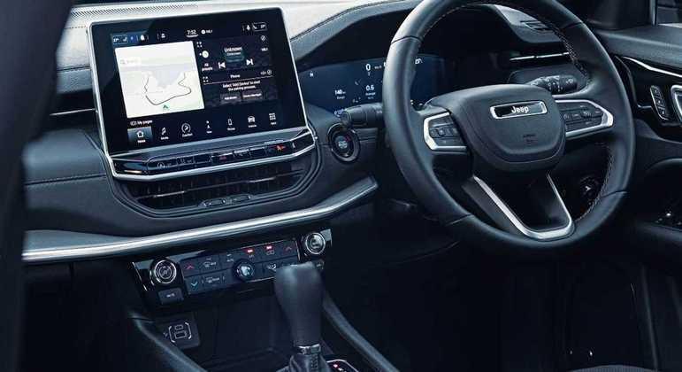 SUV recebeu uma nova central multimídia  de 10 polegadas