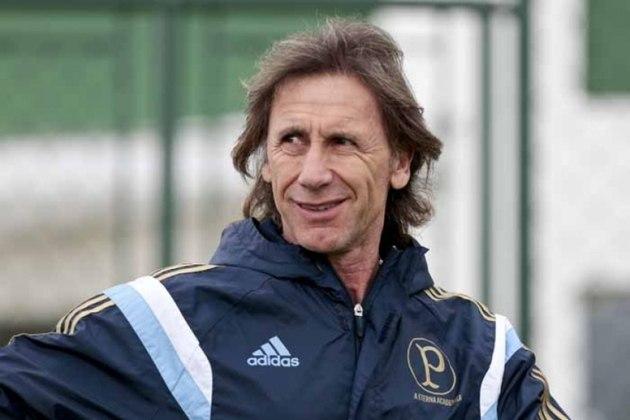 Antes de o Palmeiras acertar com seu atual técnico, Abel Ferreira, o último estrangeiro a comandar o time foi o argentino Ricardo Gareca. Ele treinou o Verdão em 2014 e atualmente comanda a seleção do Peru.