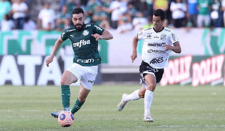 Antes de retomar a vaga de titular, Bruno Henrique saiu do banco três vezes.