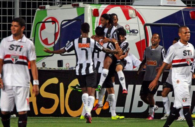 Antes de ser campeão da Libertadores de 2013, o Atlético-MG eliminou o São Paulo, nas oitavas de final do torneio. O placar agregado foi de 6 a 2.
