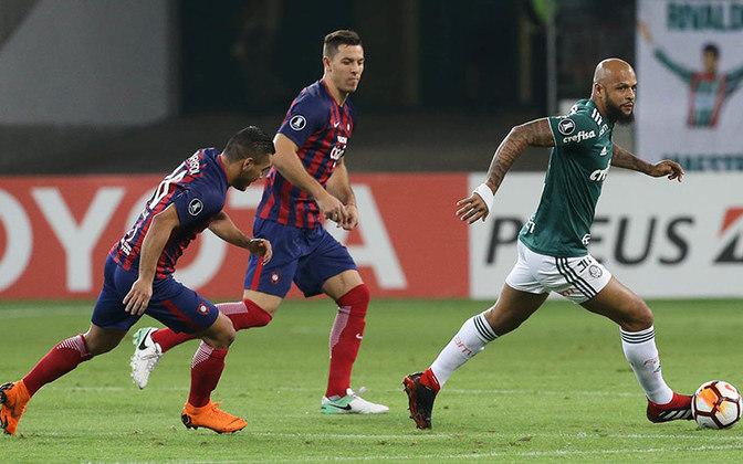 Antes do jogo contra o Cerro Porteño, no Paraguai, o volante do Palmeiras fez gestos obscenos para os torcedores do clube adversário