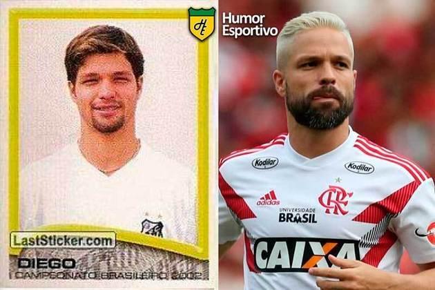Antes e depois: Diego em 2002 pelo Santos. Atualmente defende o Flamengo.