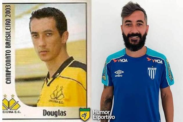 Antes e depois: Douglas em 2003 pelo Criciúma. Disputou o Brasileirão 2019 pelo Avaí.