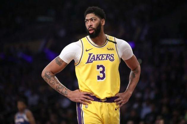 Anthony Davis, do Los Angeles Lakers, também.