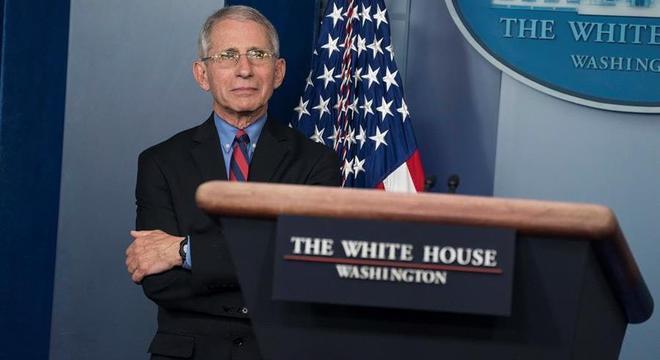 Epidemiologista do governo dos EUA, Anthony Fauci estima 200 mil mortos