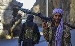 Contudo,Ahmad Massoud afirmou que pretende manter negociações pacíficas com o grupo terrorista.'Queremos fazer o Talibã perceber que o único caminho a seguir é pela via da negociação', em entrevista à Reuters