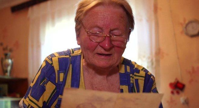 Antonina passou mais de 30 anos à espera de notícias sobre o filho, depois de receber uma carta informando que ele havia desaparecido em combate