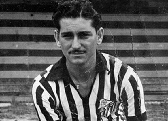 Antoninho foi um excelente meia no Santos na década de 40 e depois passou a ser treinador do Peixe. Sob seu comando, o Santos venceu três títulos estaduais no fim da década de 60.