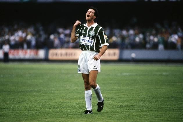Antonio Carlos Zago: após jogar pelos quatro grandes de São Paulo e fazer sucesso na Roma, Zago teve passagens com a camisa amarelinha na década de 90, porém nunca foi chamado para disputar uma Copa do Mundo.