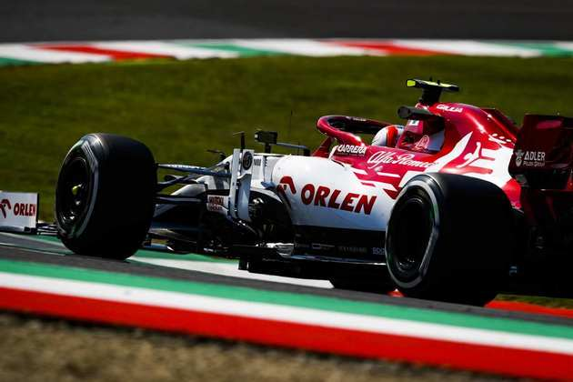 Antonio Giovinazzi acelera no veloz circuito de Mugello nesta sexta-feira
