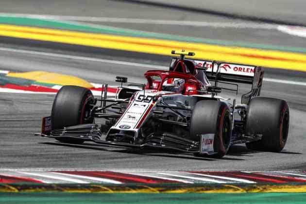 Antonio Giovinazzi fecha o grid e larga na última posição