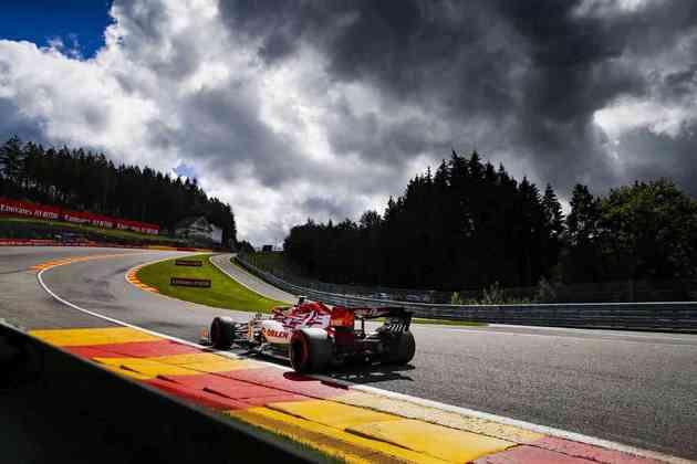 Antonio Giovinazzi larga somente na 18ª colocação (Foto: Alfa Romeo)
