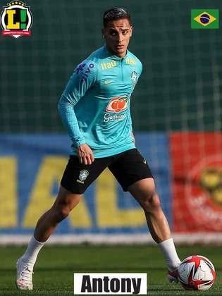 Antony - 6,5 - O atacante foi responsável pela primeira finalização do Brasil na partida e criou boas chances pelo lado direito