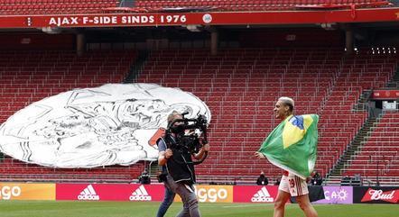 Antony foi um dos destaques do título do Ajax