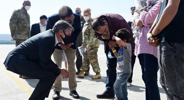 Blinken conversou com refugiados afegãos na base norte-americana de Ramstein, na Alemanha