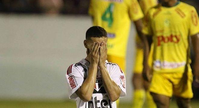 Antony se emocionou com gol marcado em homenagem a Larissa