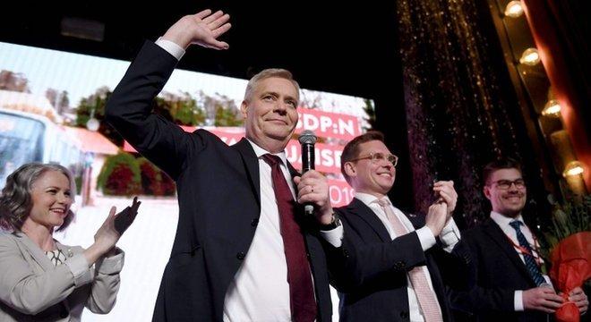 'Pela primeira vez desde 1999, somos o partido mais votado na Finlândia', declarou o líder do SPD, Antti Rinne