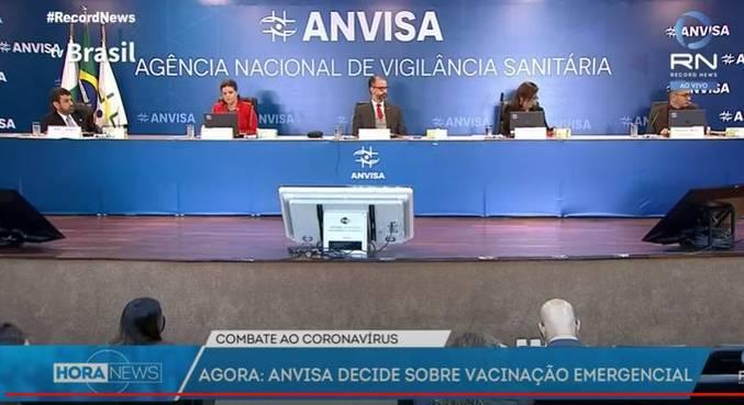 Reunião da Anvisa para decidir liberação de uso de vacinas ocorre neste domingo