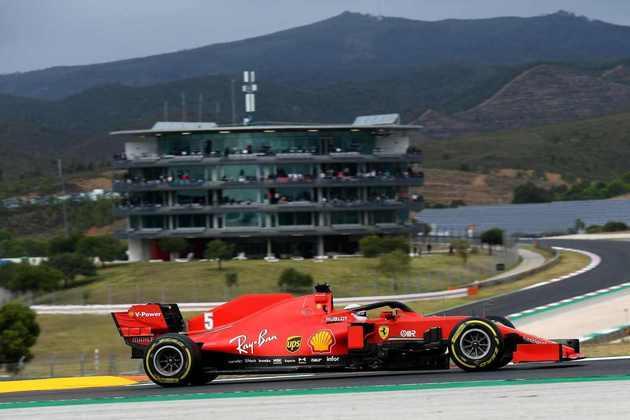 Ao final da corrida, porém, o alemão insinuou que a Ferrari está ajudando Charles Leclerc na temporada 2020