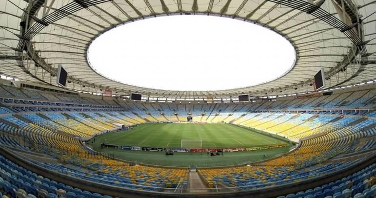 Ao longo dos seus 70 anos, o Maracanã também foi palco de zebras e feitos improváveis. Alguns terminaram em títulos.O LANCE! preparou uma galeria com algumas zebras marcantes no aniversário do histórico estádio, confira!