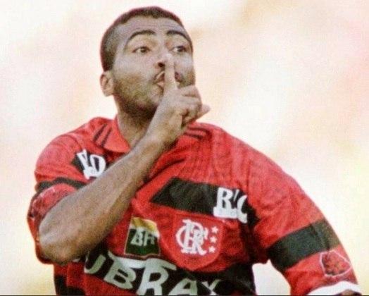 Ao marcar o gol da vitória do Flamengo por 1 a 0 sobre o Vasco, Romário mandou a torcida rival calar a boca