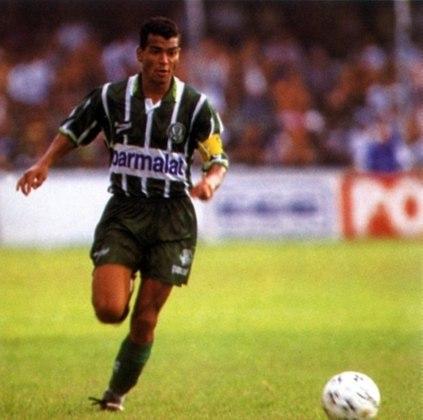 Ao retornar ao Brasil, Cafu jogou pelo Palmeiras, participando da campanha do título paulista de 1996. Pelo alviverde, Cafu jogou 46 vezes.