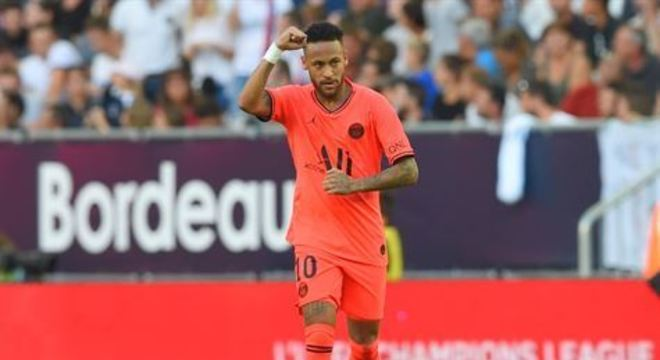 Aos 25 do segundo tempo, Neymar, dentro da área, mandou para o gol após receber a assistência de Kylian Mbappé