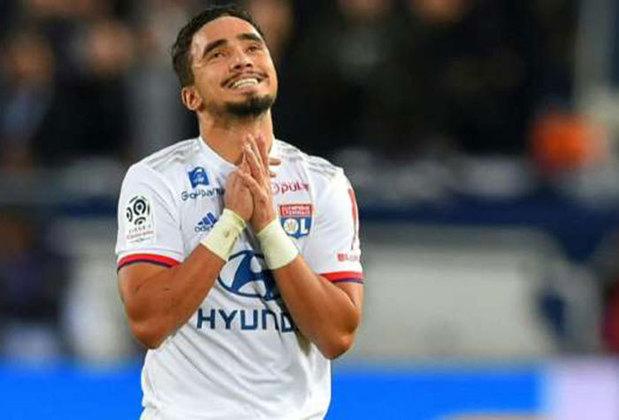 Aos 30 anos o lateral Rafael trocou no começo da temporada o Lyon pelo Basaksehir da Turquia. Ele ficou cinco anos no clube francês.