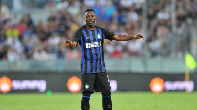 Aos 31 anos, o ganense Kwadwo Asamoah está livre por 4 milhões de euros (R$ 26,4 milhões). Ele estava na Internazionale e já jogou na Juventus, Udinese e Torino.