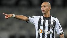 Santos acerta a contratação do atacante Diego Tardelli