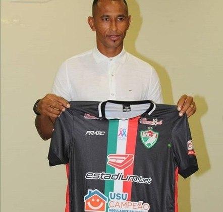 Aos 38 anos e com a vivência de ter defendido Fluminense, Santa Cruz, América-RN, Ceará e clubes asiáticos, CIEL hoje é a referência do Salgueiro