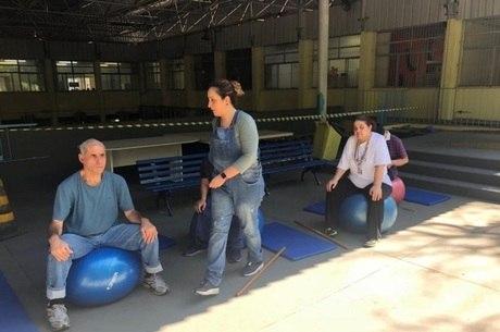 Participantes também realizam exercícios físicos