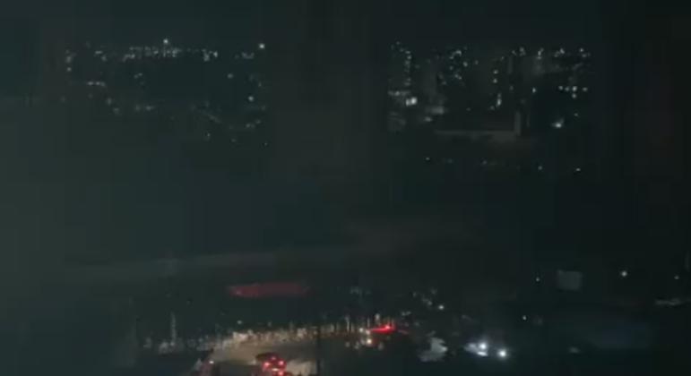 Queda de energia atinge diversos bairros de Belo Horizonte