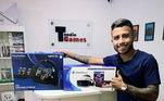 Outro craque que compartilha da paixão pelos simuladores é o meia do Grêmio, Matheus Henrique. Nas redes sociais ele aparece com seu kit game