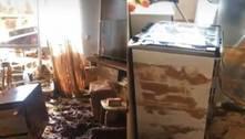Muro cai após temporal e destrói apartamentos no interior de SP
