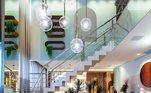 O apartamento fica localizado em um condomínio de luxo no bairro Meia Praia. Nas redes sociais, Zezé comemorou o resultado