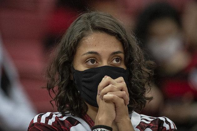 Apesar da boa atuação do Flamengo, a torcida também viveu momentos de tensão após gol do Defensa y Justicia.