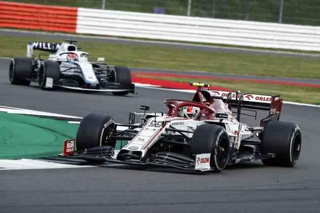 Apesar de andar à frente do companheiro Räikkönen, Giovinazzi teve atuação bastante apagada