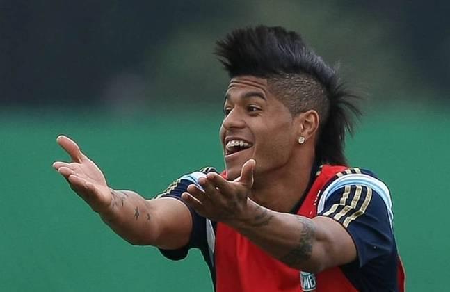 Apesar de atuação de destaque em seu ano de estreia no Palmeiras, em 2013, o atacante Leandro caiu de rendimento nas temporadas seguintes e foi emprestado em algumas oportunidades, até ir para o Japão