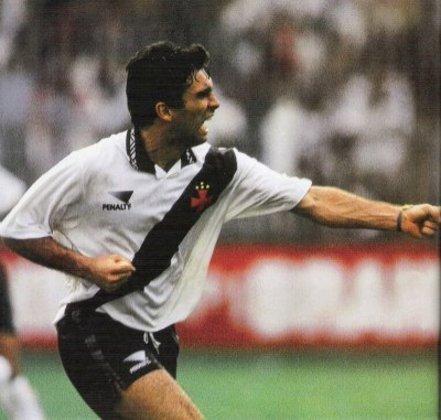 Apesar de um período no Corinthians e outro no Celta de Vigo (ESP), Luizinho era o carregador de piano daquele time e pertenceu ao Vasco de 1991 a 2000.